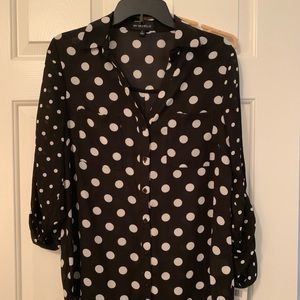 NWT black and white button down 💕